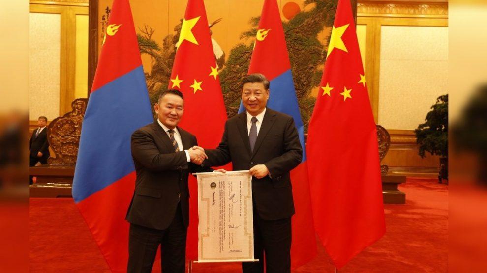 Президент Монголии приступил к работе
