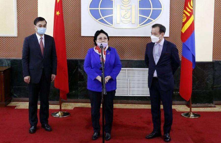Пожертвования от китайских граждан, постоянно проживающих в Монголии